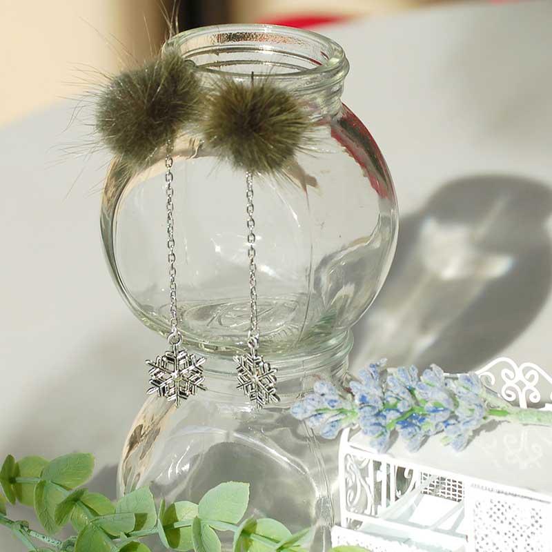 potekobrooch - 雪の結晶とミンクファーのブローチを作る