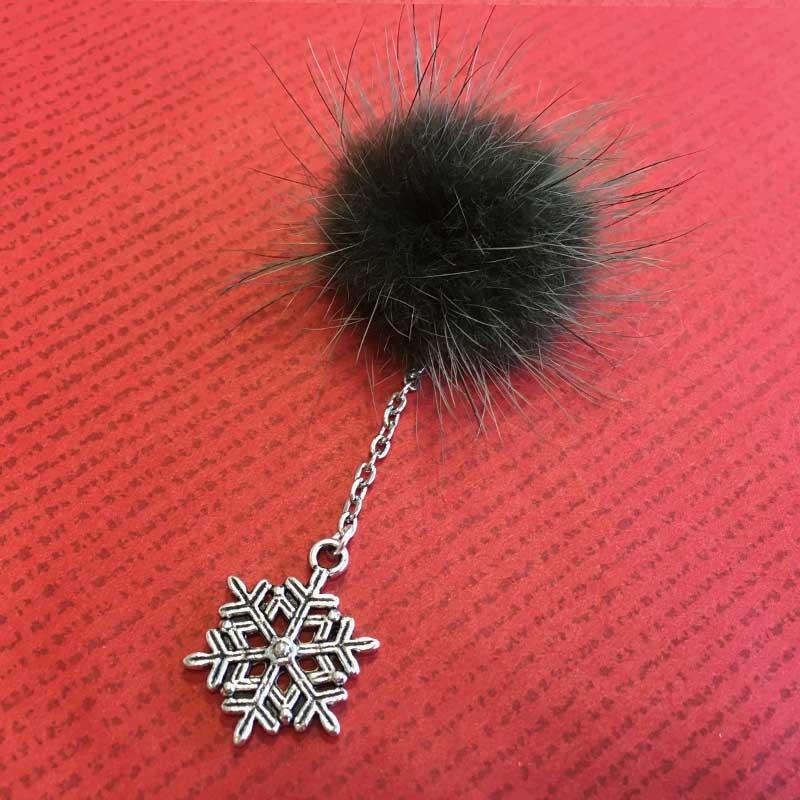 potekobrooch2 - 雪の結晶とミンクファーのブローチを作る