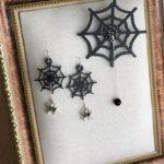 蜘蛛の巣のブローチとピアス